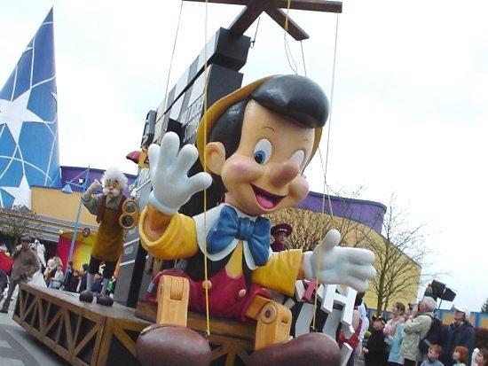 De Cinema Parade in Walt Disney Studios - Foto: (c) Parkplanet