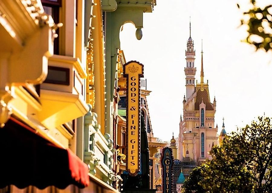 Castle of Magical Dreams en Main Street, U.S.A. in Hong Kong Disneyland - Foto: © Disney