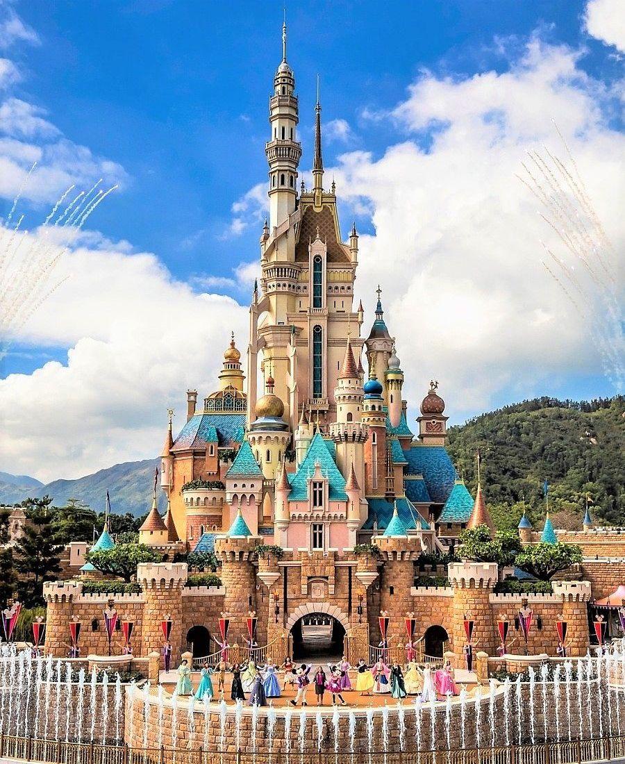 De opening van het nieuwe kasteel in Hong Kong Disneyland - Foto: © Disney