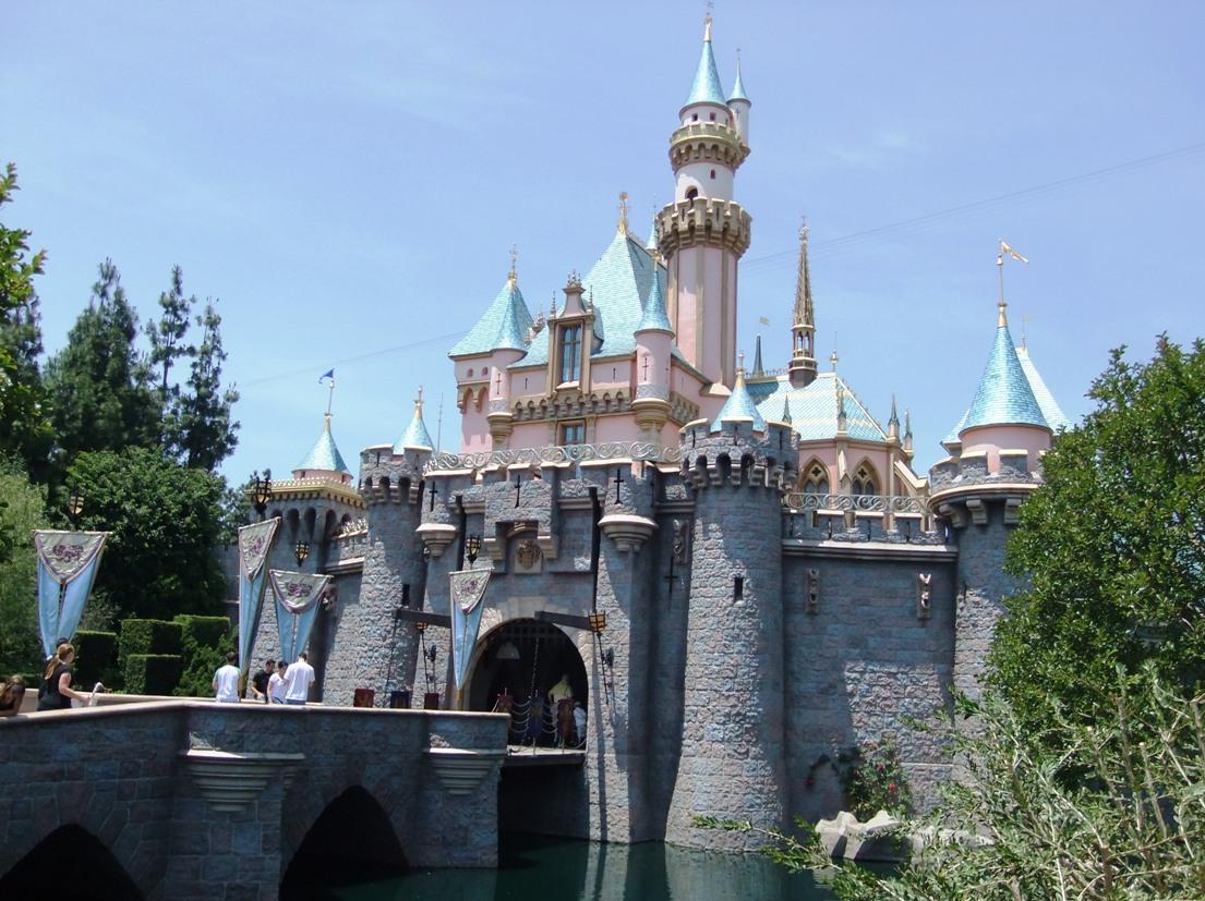 Het kasteel van Doornroosje in Disneyland - Foto: © Adri van Esch