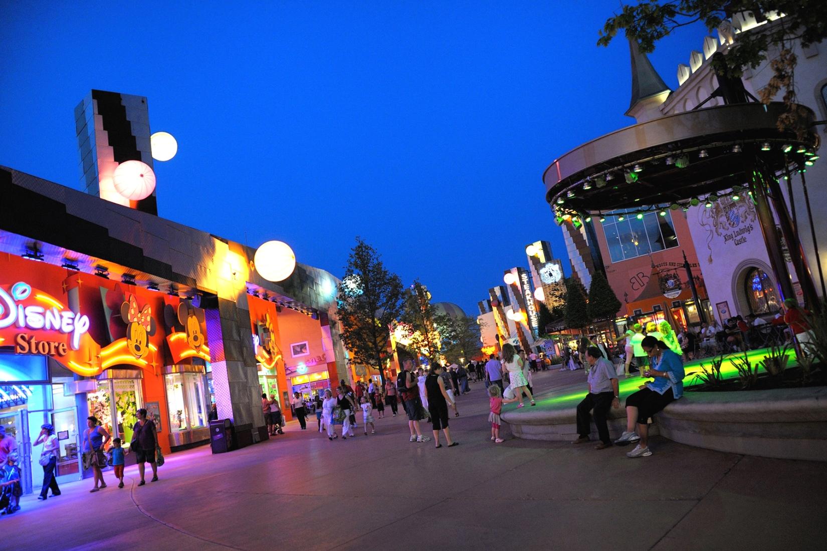 Disney Village in Disneyland Paris - Foto: (c) Disney