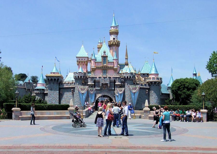 Het kasteel in Disneyland in Anaheim - Foto: © Adri van Esch