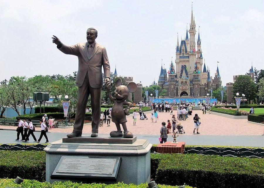 Het kasteel in Tokyo Disneyland - Foto: © Adri van Esch