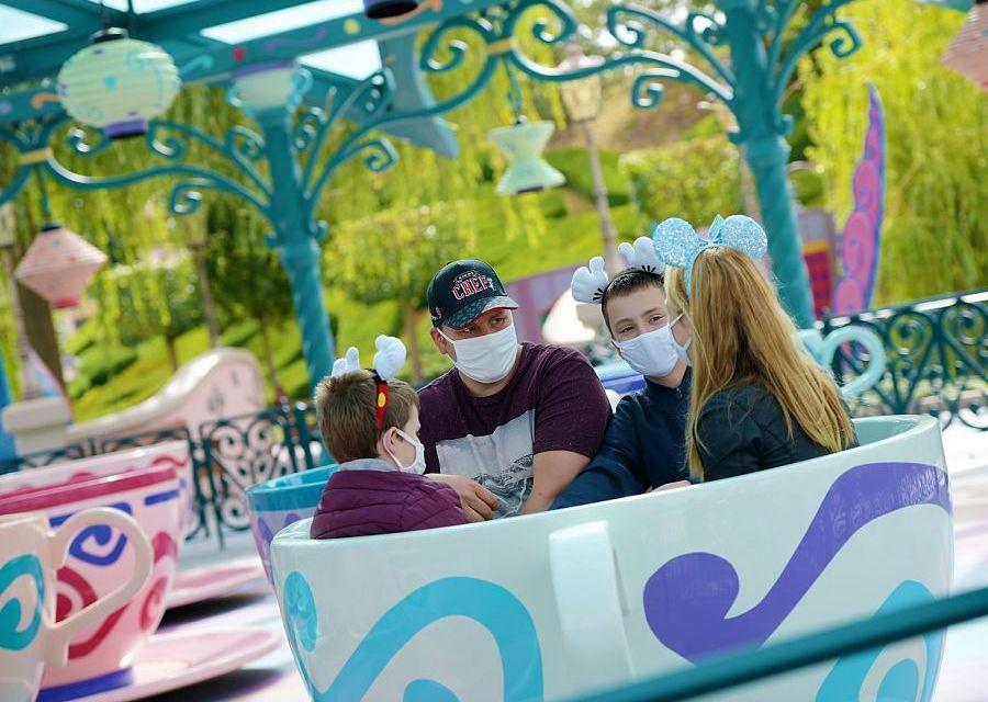 Mad Hatter's Teacups in Disneyland Paris - Foto: © Disney